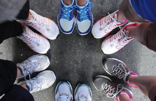 Picture of women's shoes standing in a circle